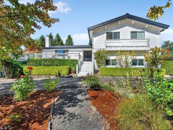 1581 CHABLIS RD, HEALDSBURG CA | Sonoma Realty Group
